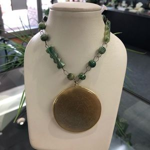 Vintage Estate 14k Gold Jade Hand carved Necklace
